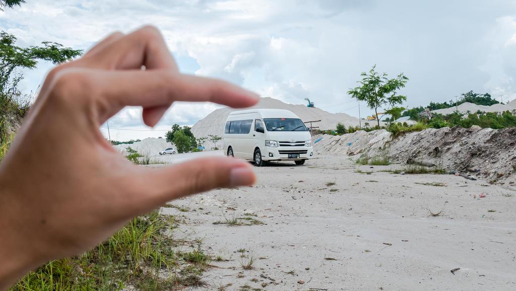 Danau Biru Belitung - mini van