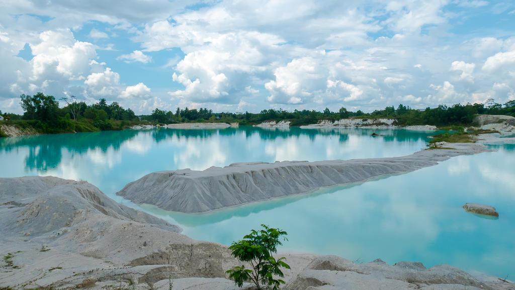 Danau Biru Belitung