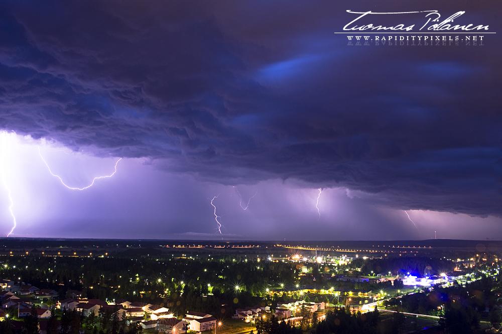 Thunder by waakku