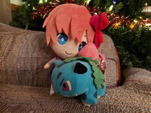 Sayori and Ivysaur plush