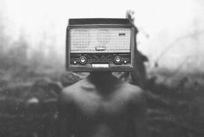 Listen to me by iLoran