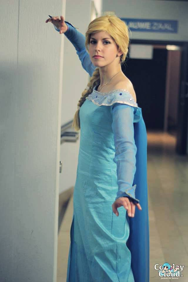 Queen Elsa - Once Upon A Time COSPLAY by ReiIchi5