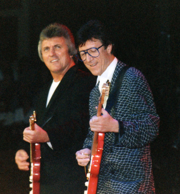 Bruce Welch: Bruce Welch And Hank Marvin By Tonc On DeviantArt