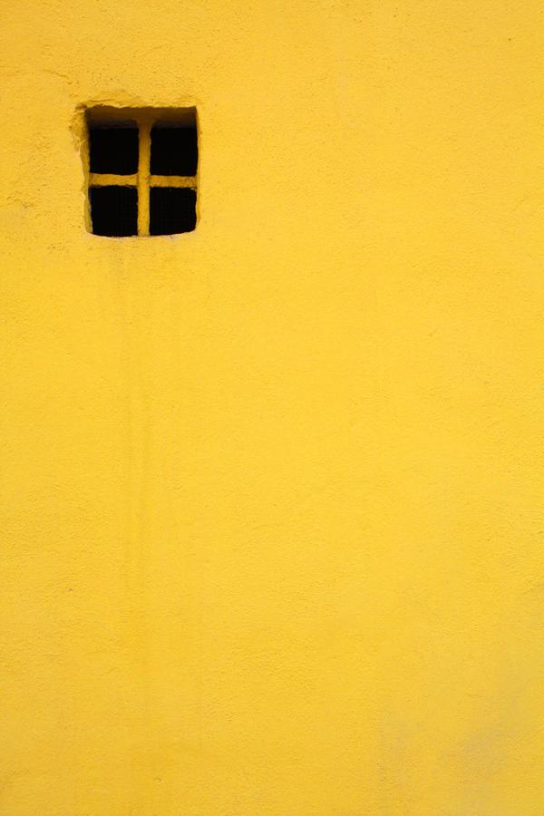 Yellow by siniebraico