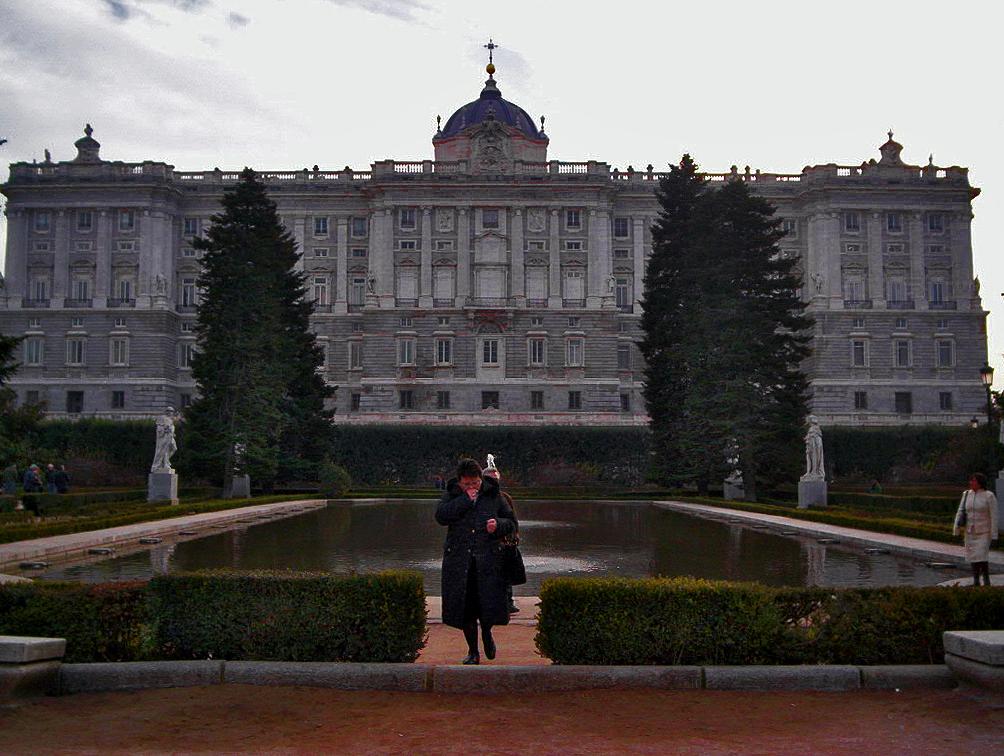 Madrid jardines de sabatini 2 by luciano avila on deviantart for Jardines 15 madrid