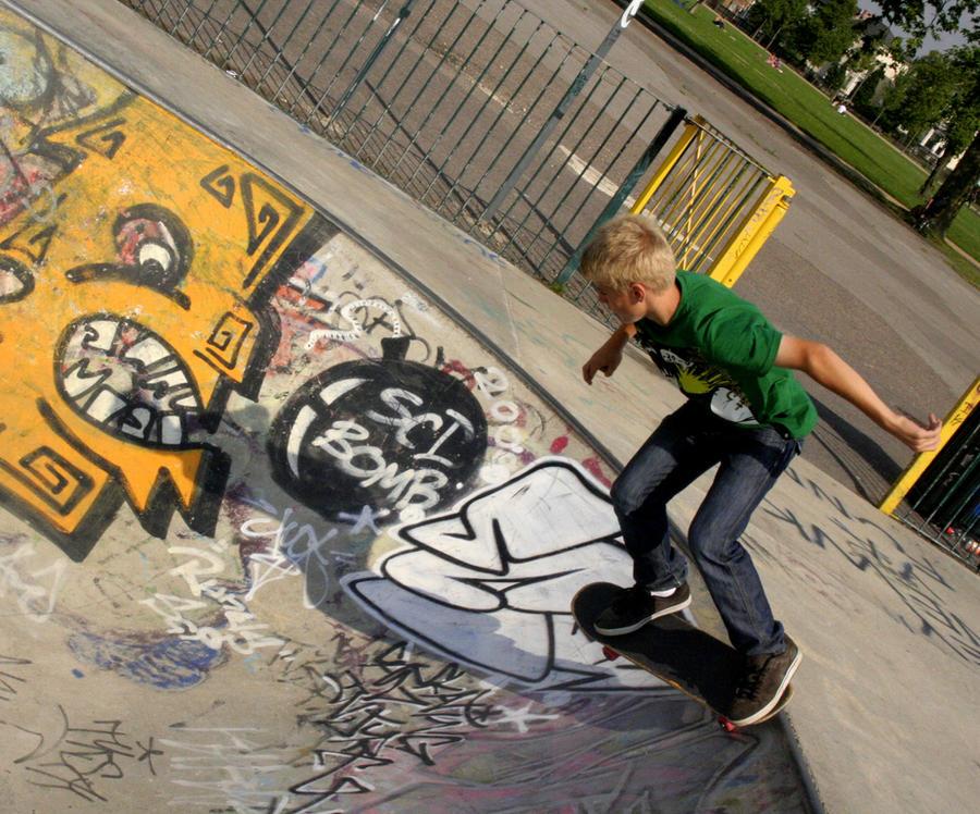 Green Skate by wojteq2