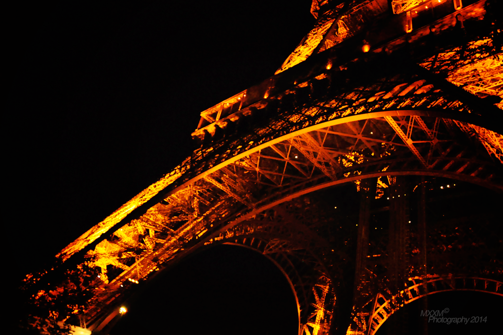 Eiffel Tower at night by Mxxm10