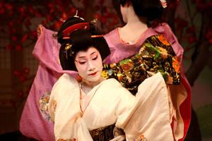 Toshihana Kyo Odori 2 by DrowElfMorwen