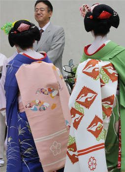 Two Maiko