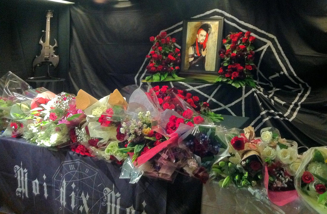 K Memorial :: Moi dix Mois by DrowElfMorwen
