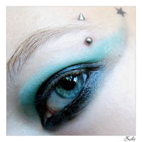 blue eye by BlueFish24