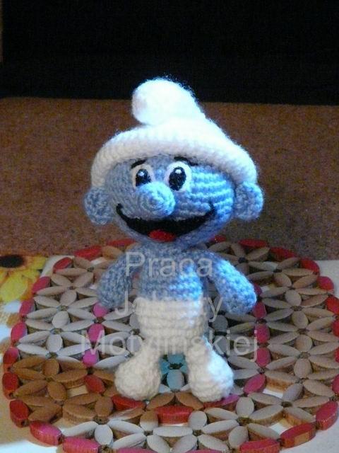 Crochet Smurfette amigurumi pattern - Amigurumi Today | 640x480