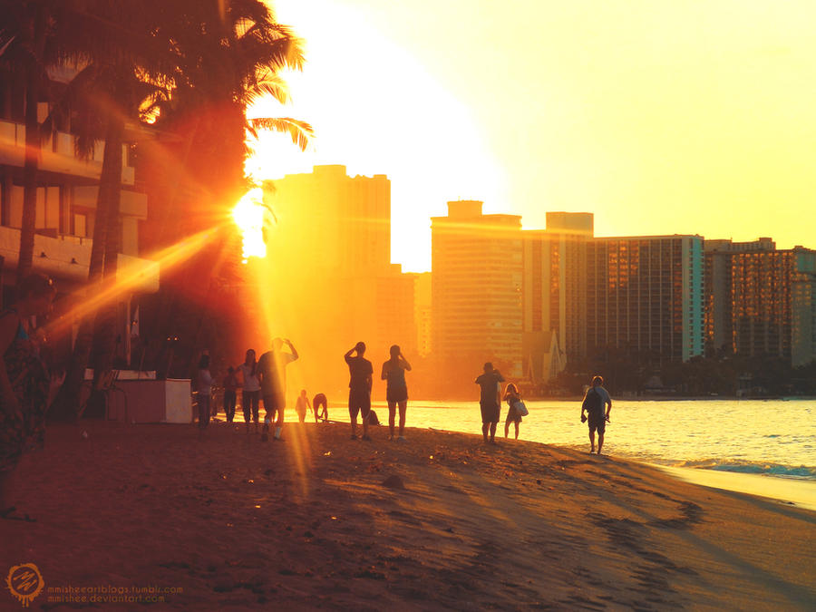 Sunrise on Waikiki Beach by mmishee