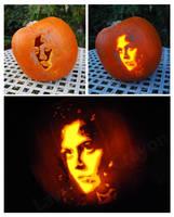 Danna Barrett (Sigourney Weaver) - Pumpkin Carving by Lavender-Crayon