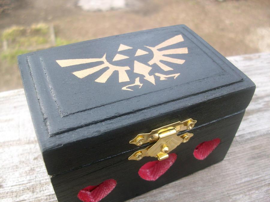 Custom Zelda Box by ZombieBunnySlaya