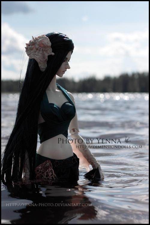 Dark Siren by yenna-photo