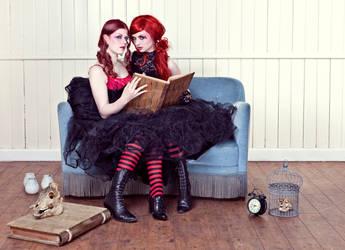 Twins by KybeleModel