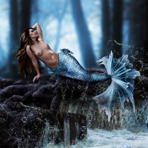 Resting Mermaid by KarinClaessonArt