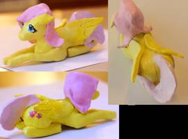 Fluttershy Figurine angles