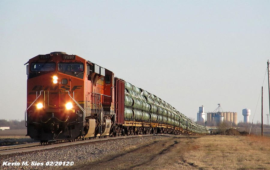 BNSF 7597 and BNSF 7336 lead Pipe Train by EternalFlame1891