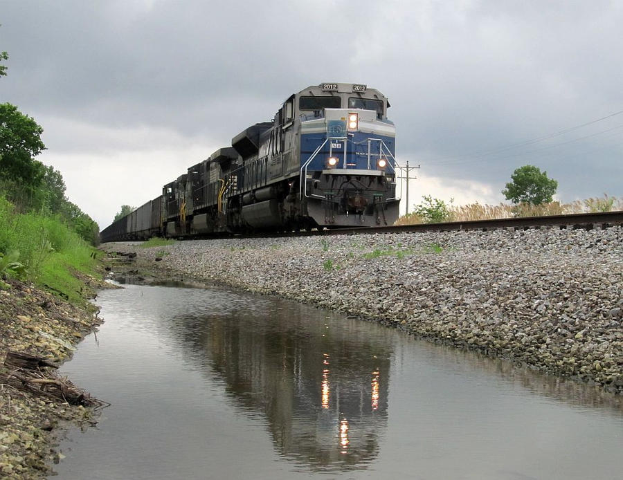 EMDX Demonstator 2012 leads NS 403 through a Creek by EternalFlame1891