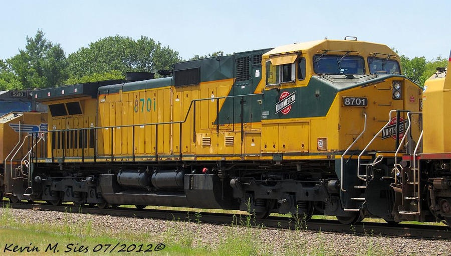 CNW 8701 third out UP QNLCH 18 Mt Vernon IL by EternalFlame1891 ...