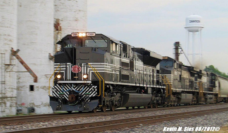 NS New York Central heritage 1066 leads NS 33J by EternalFlame1891