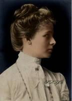 A lady in Edwardian era by Linnea-Rose