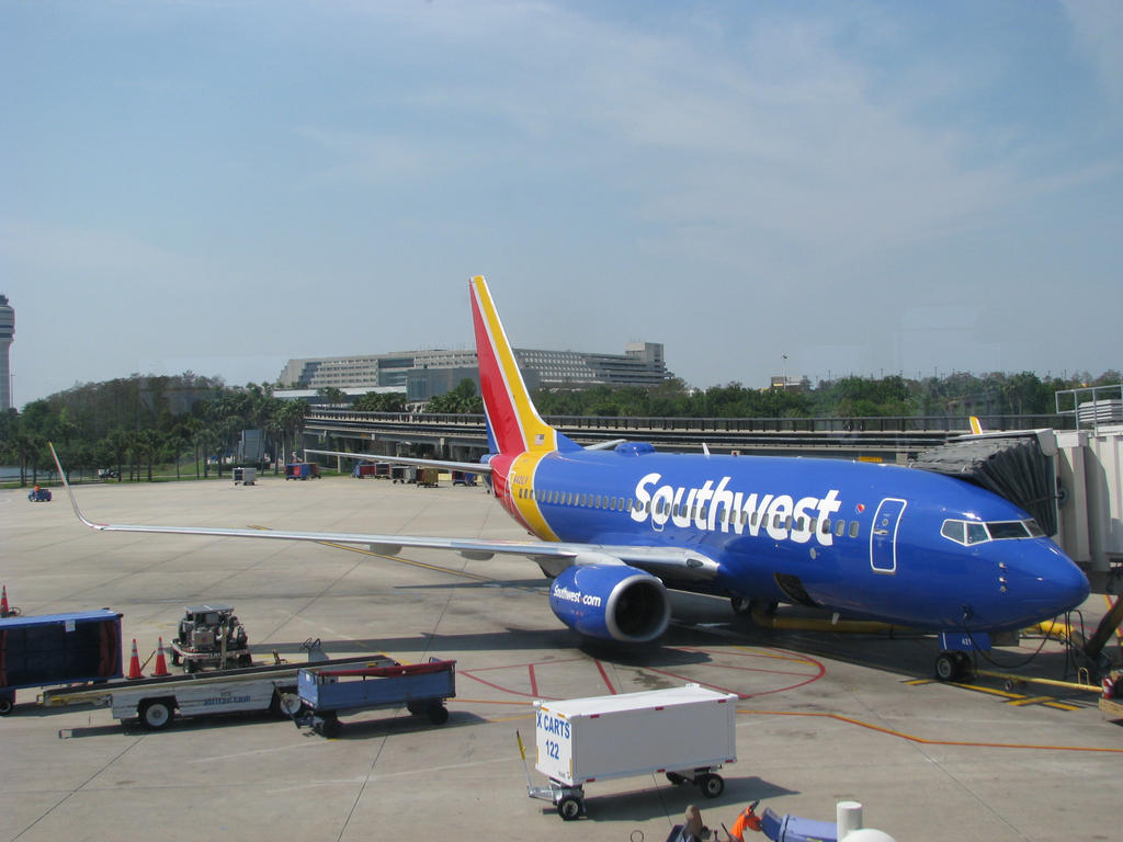 Southwest 737-700 by Orca2013