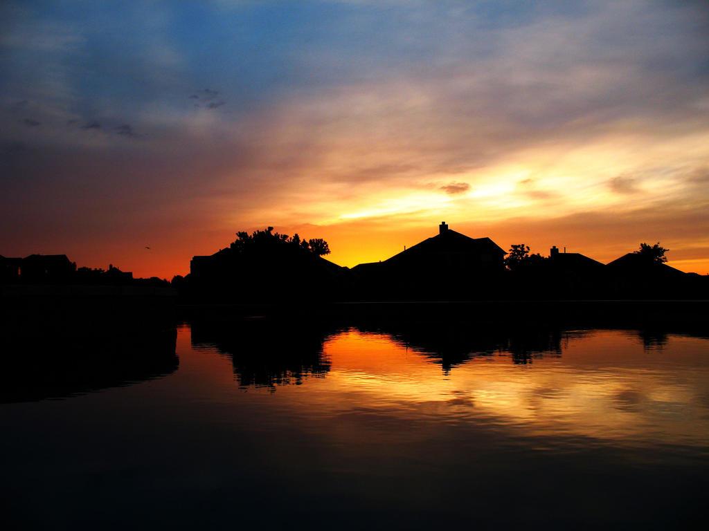 Mirror Fountain_Evening by Delta406