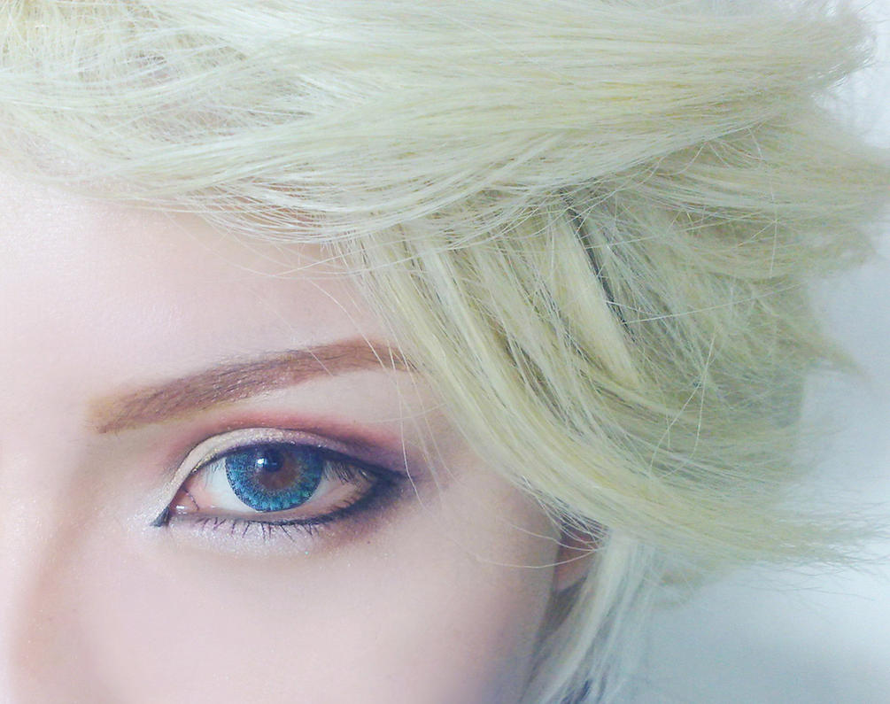Makeup test - Frozen - Elsa - Genderbend by mollyeberwein