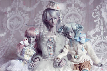 Mini family by Sarqq