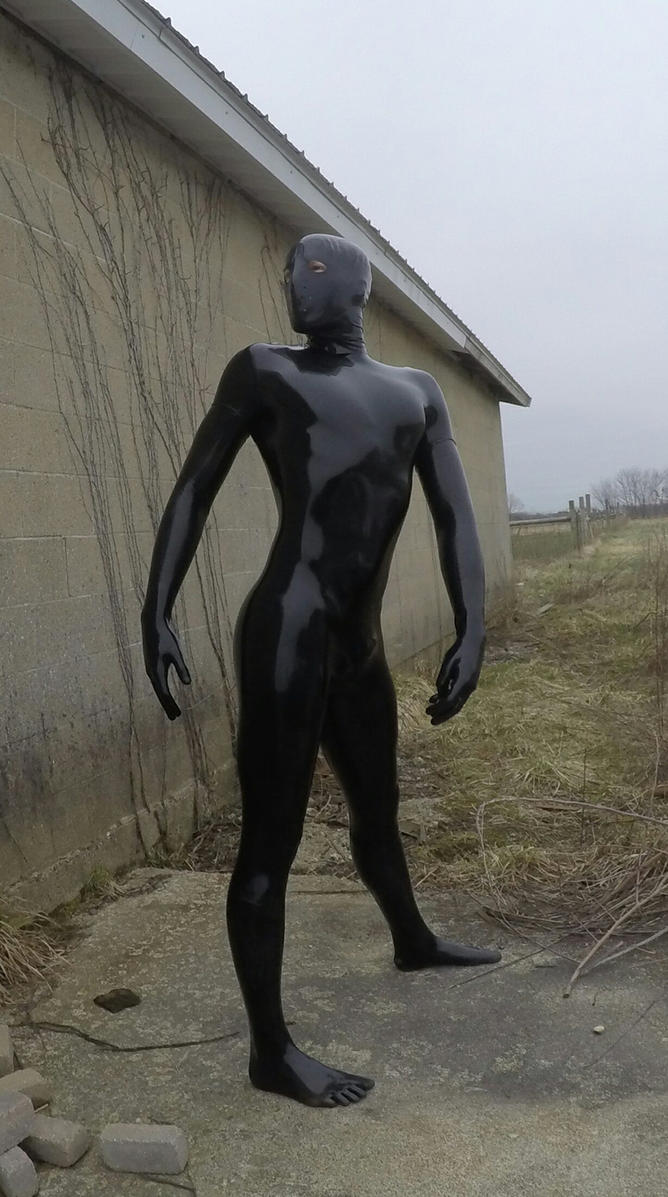 latex outdoors by LATEXSPYDER