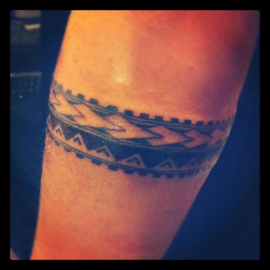 Polynesian Armband by xSiiANA on DeviantArt