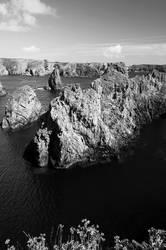 Rugged. Belle-Ile's West coast by HankBee