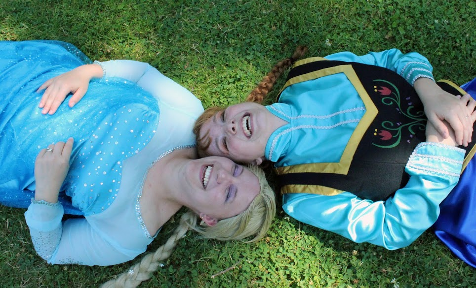 Elsa and Anna Disney Frozen by BeanSprout-Photog