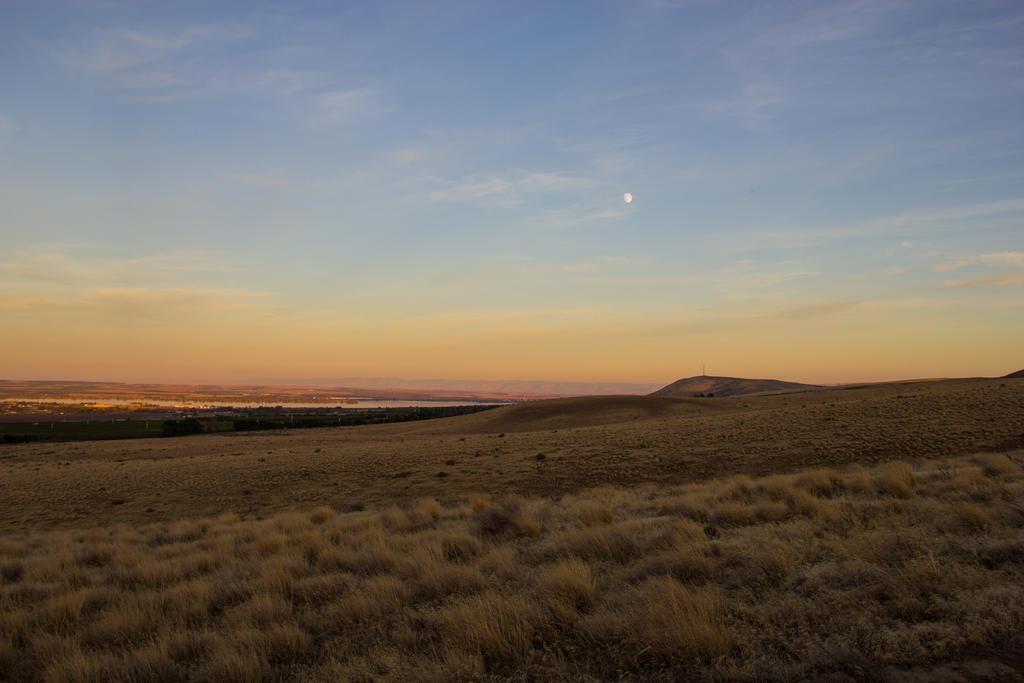 Sunset in Finley, Washington by Aprilvirgo