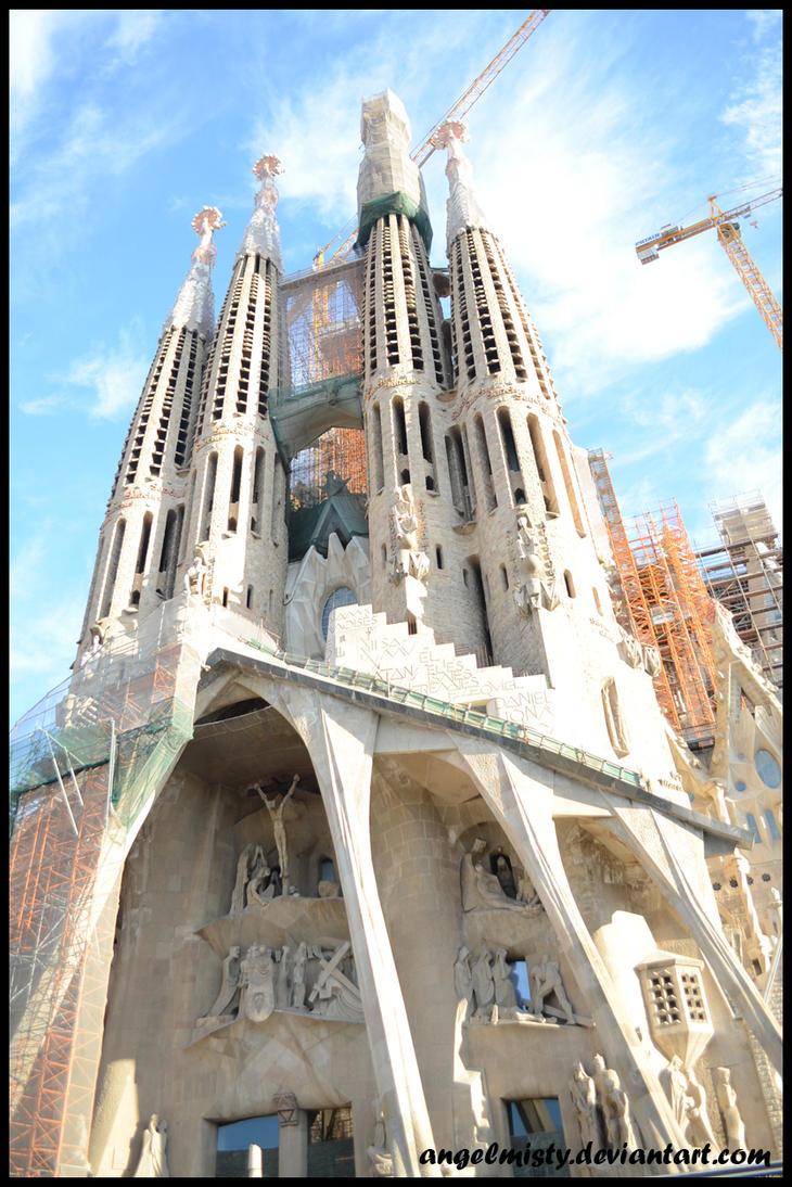 Sagrada Familia by angelmisty