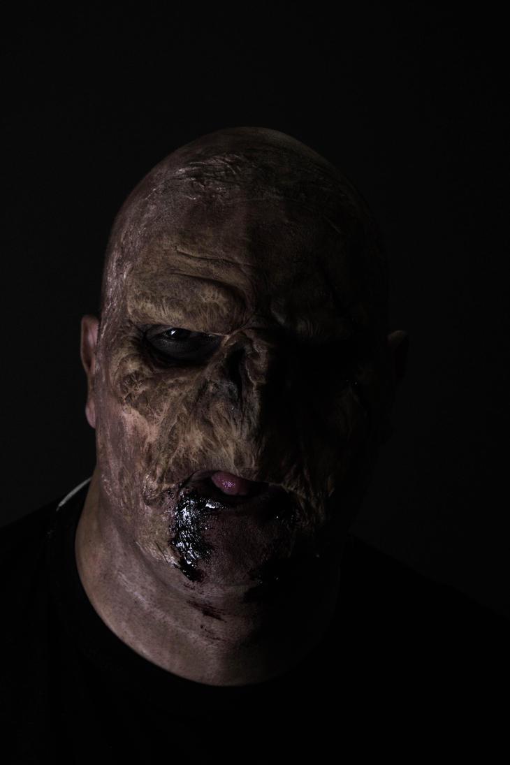 Gross Nosferatu by corvidius