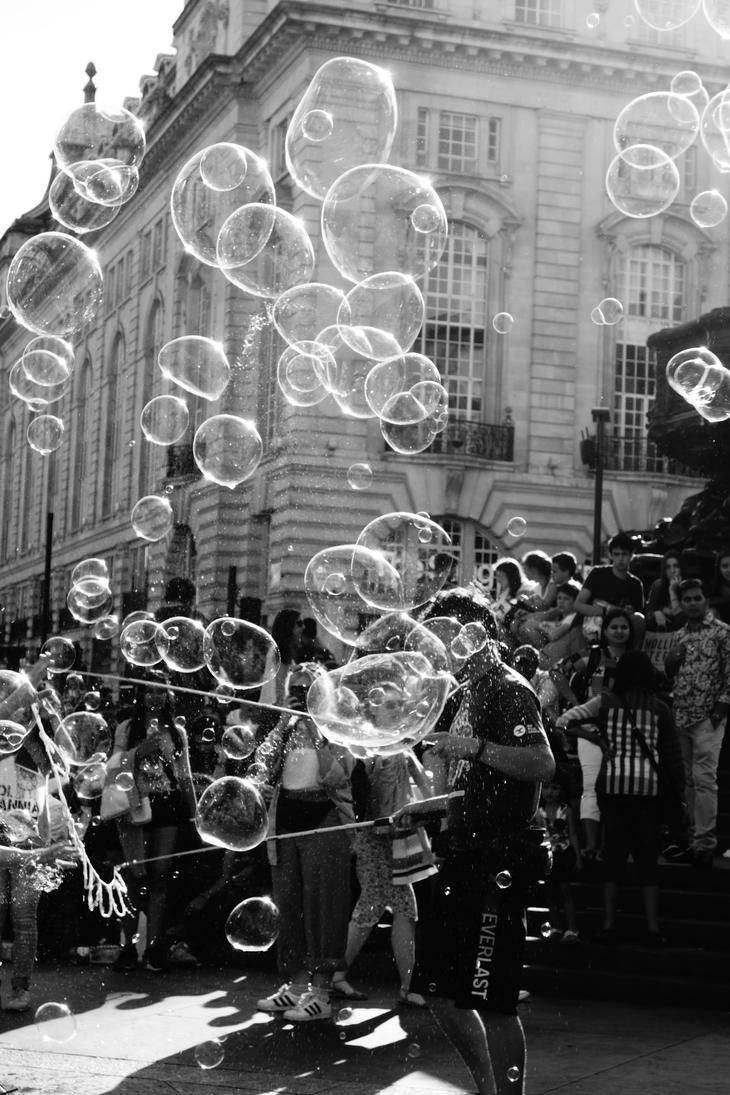 The Bubble Man by candentesomnium