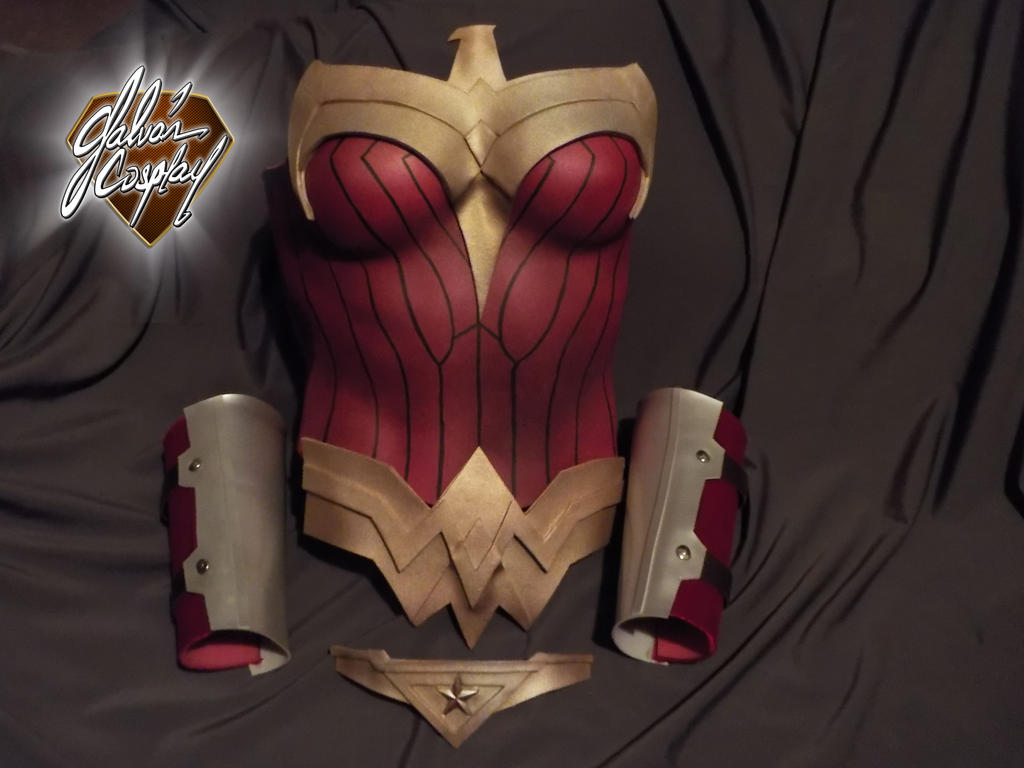 Wonder Woman (Visit at Galvan Cosplay . Facebook) by Kryptoniano
