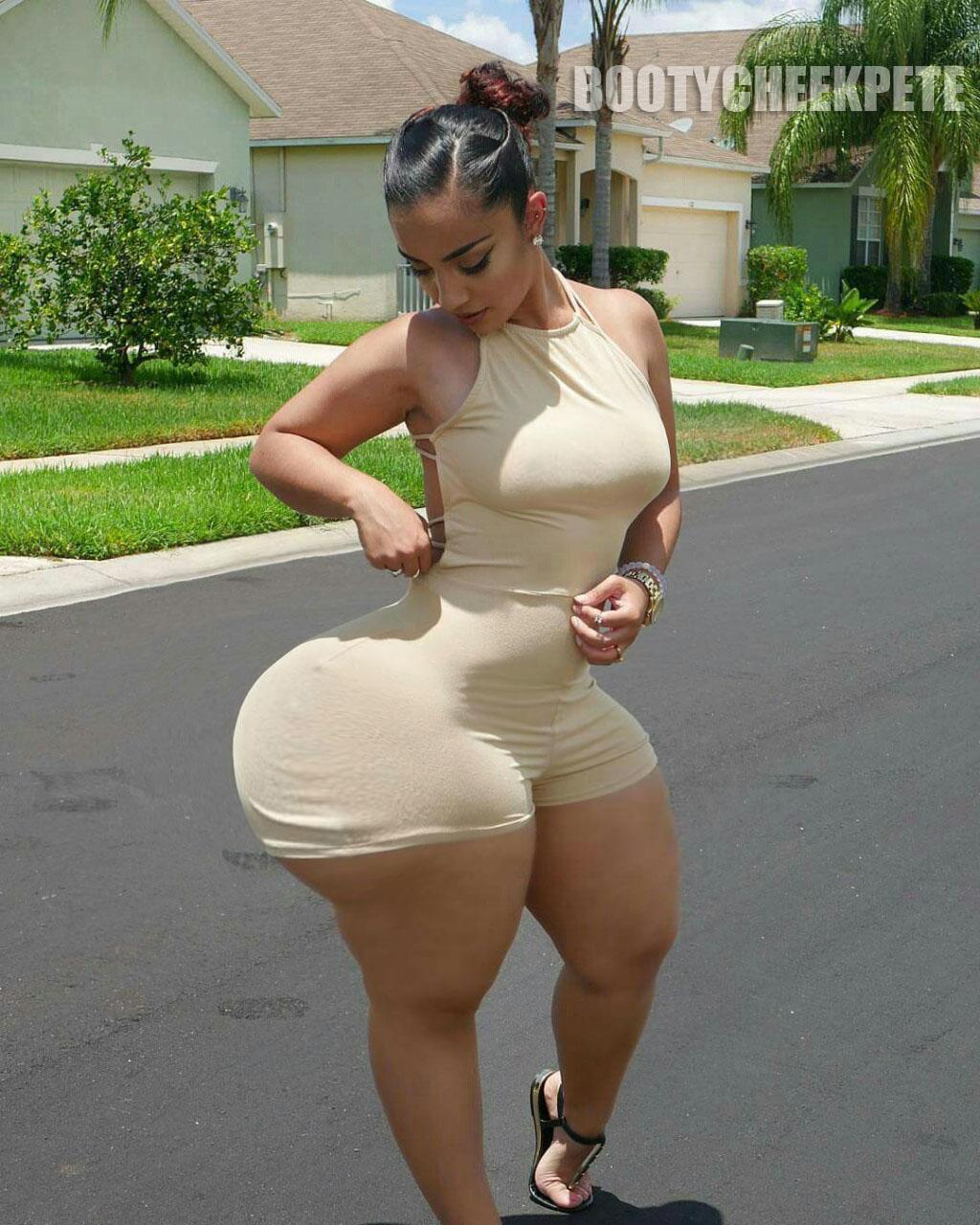 Big ass wobbly cheeks 4