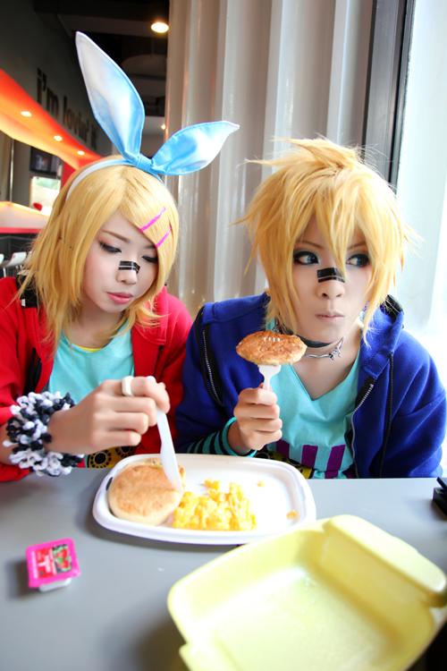 Breakfast Time by yuegene