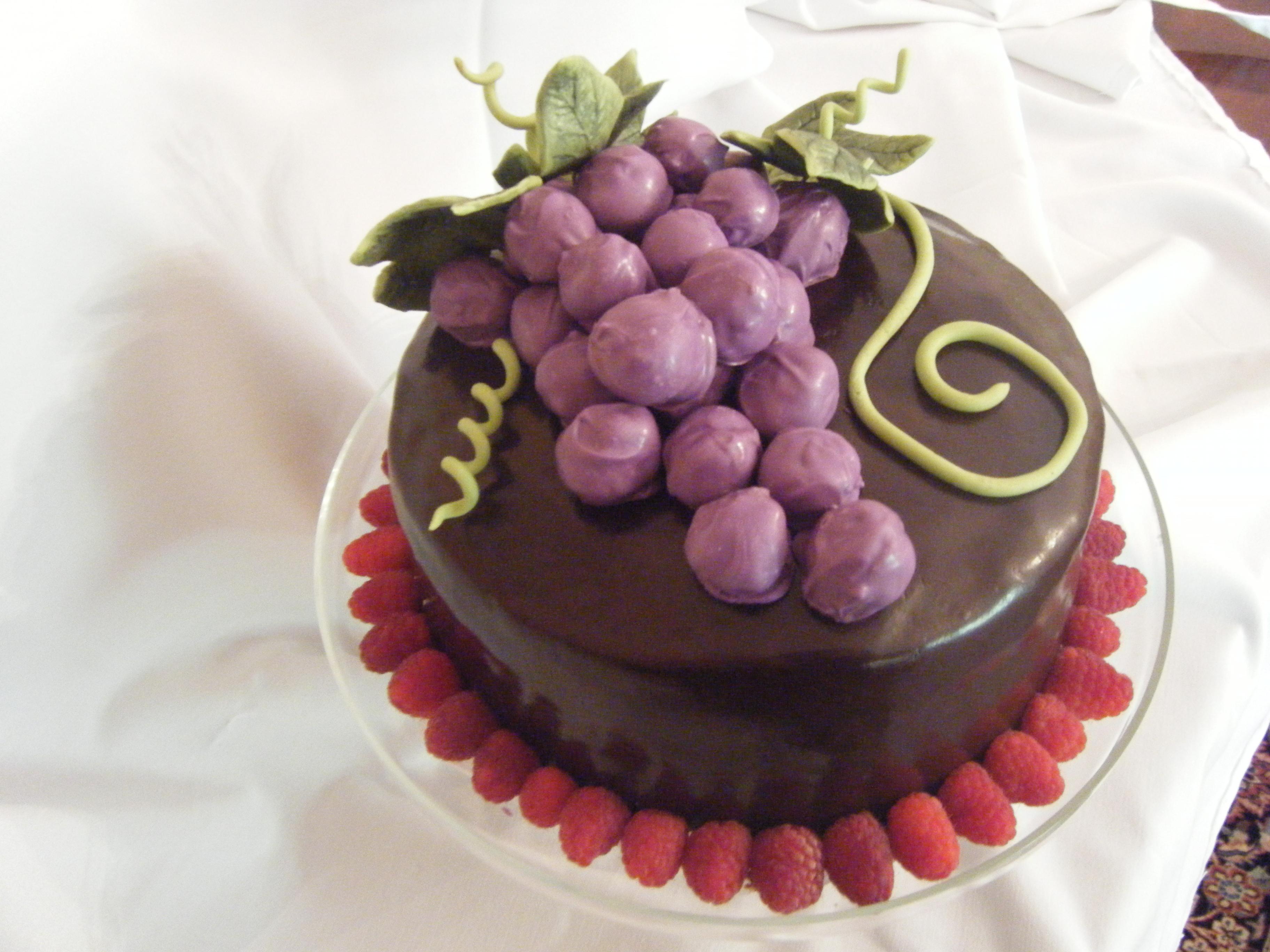 Grapes Cake Decoration