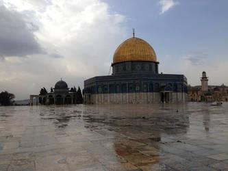 Al-Qud's Under Rain's