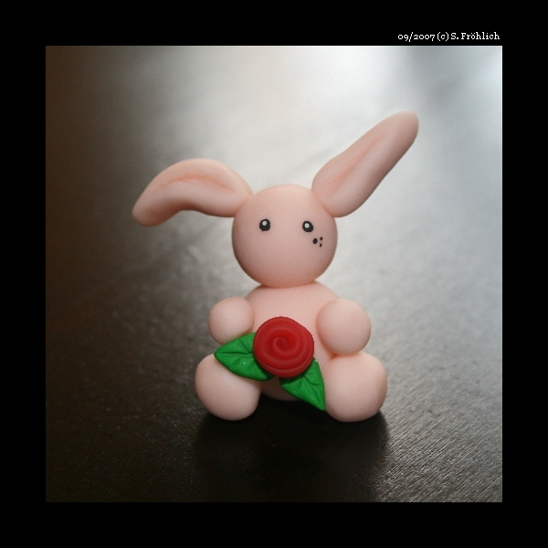 Bunny with Rose by sellerie