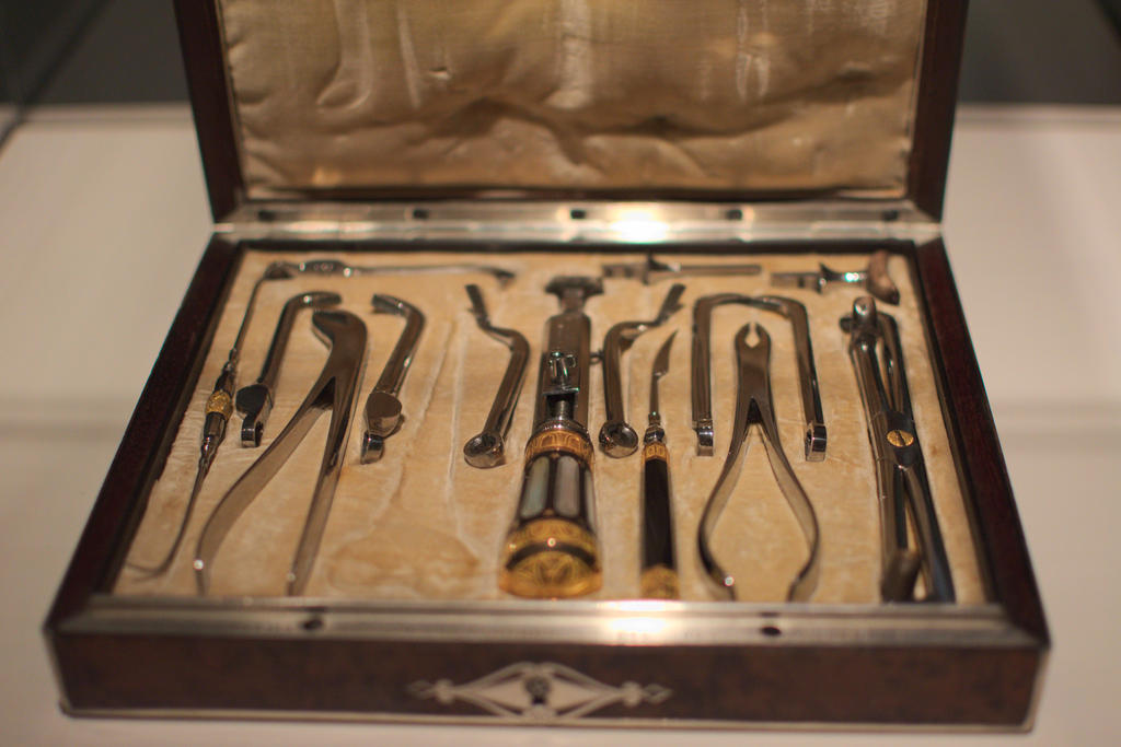 Napoleonic Dentistry by elfgurl06