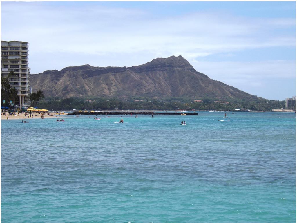 Diamond Head, Waikiki by Cassandra022