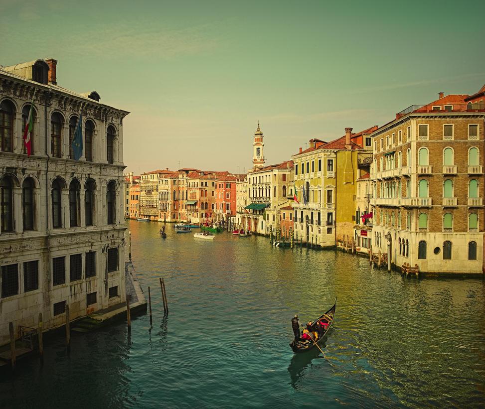Ponte Rialto. Venice. 2010 by AlexGutkin