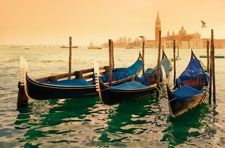 Gondola by AlexGutkin